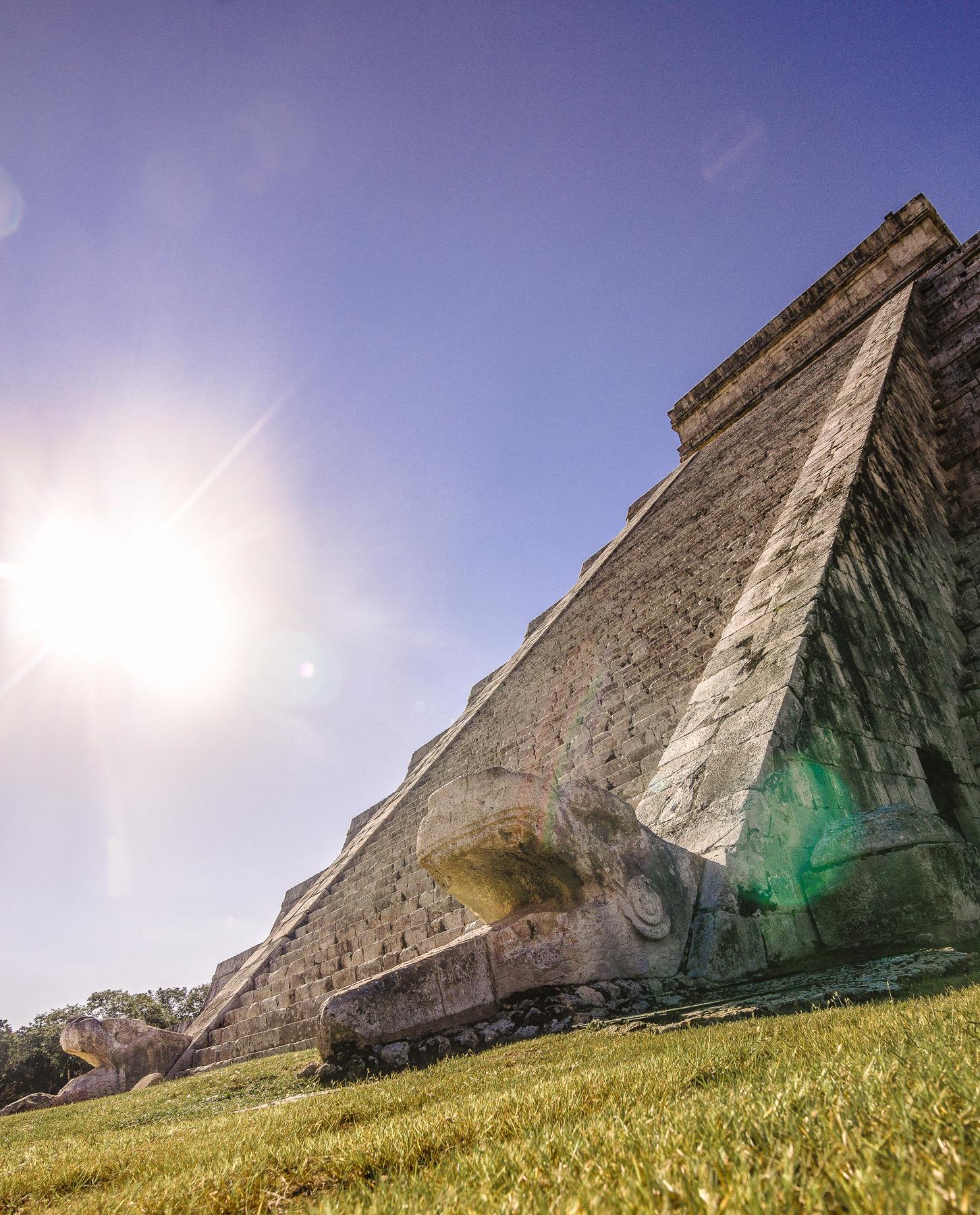 Pirámide el Castillo en Chichén Itzá, Yucatán.